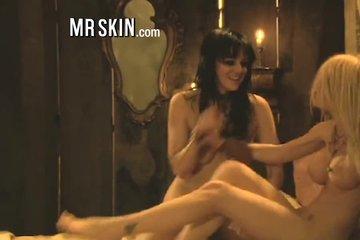 Порно нарезка:откровенные сцены из фильмов для взрослых с самыми красивыми сучками