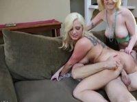 Коллега оттрахал двух сочных блондинок с огромными дойками