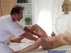Эротический массаж и подборка с оргазмом