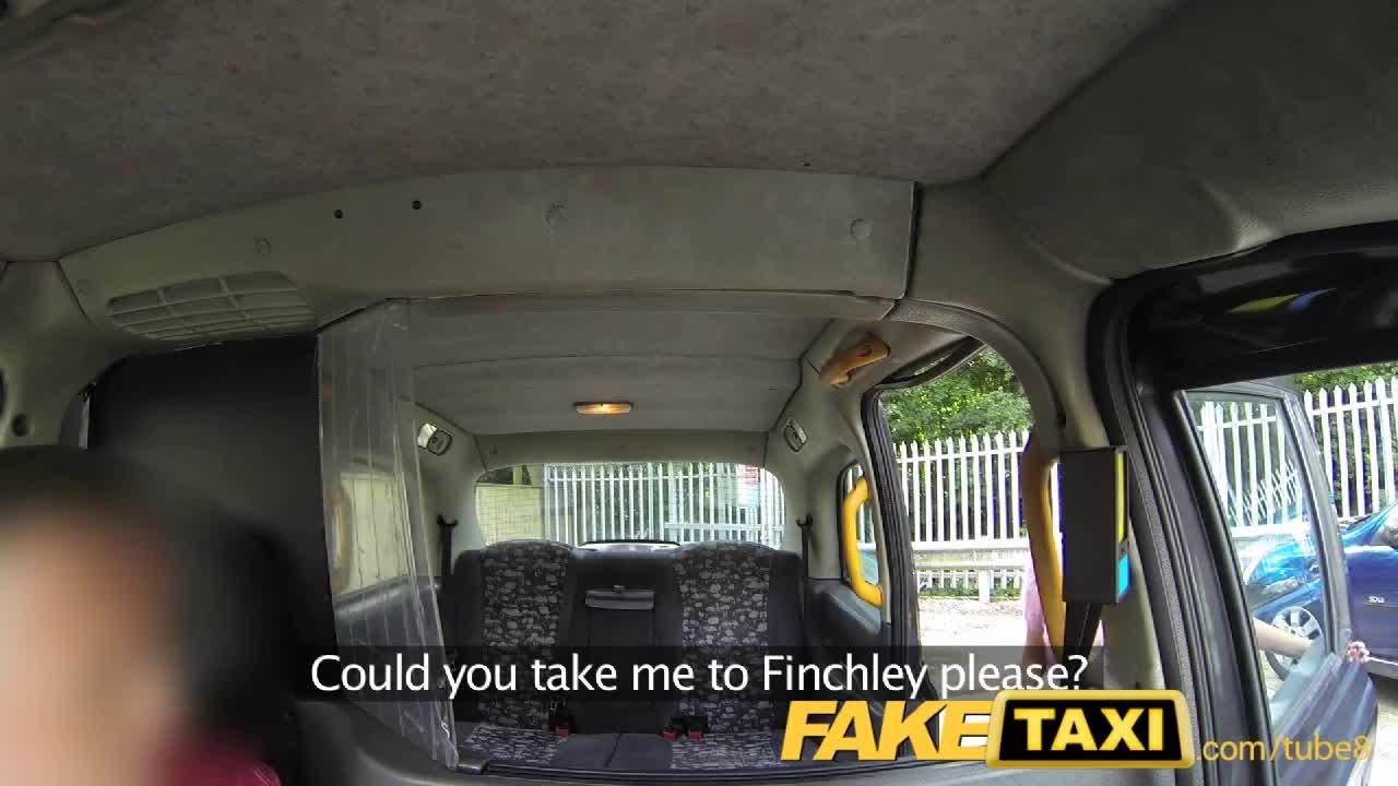 Порка в такси с пассажиркой