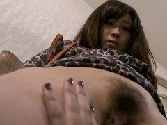 Смазливая азиатка подставила киску соседке-лесбухе